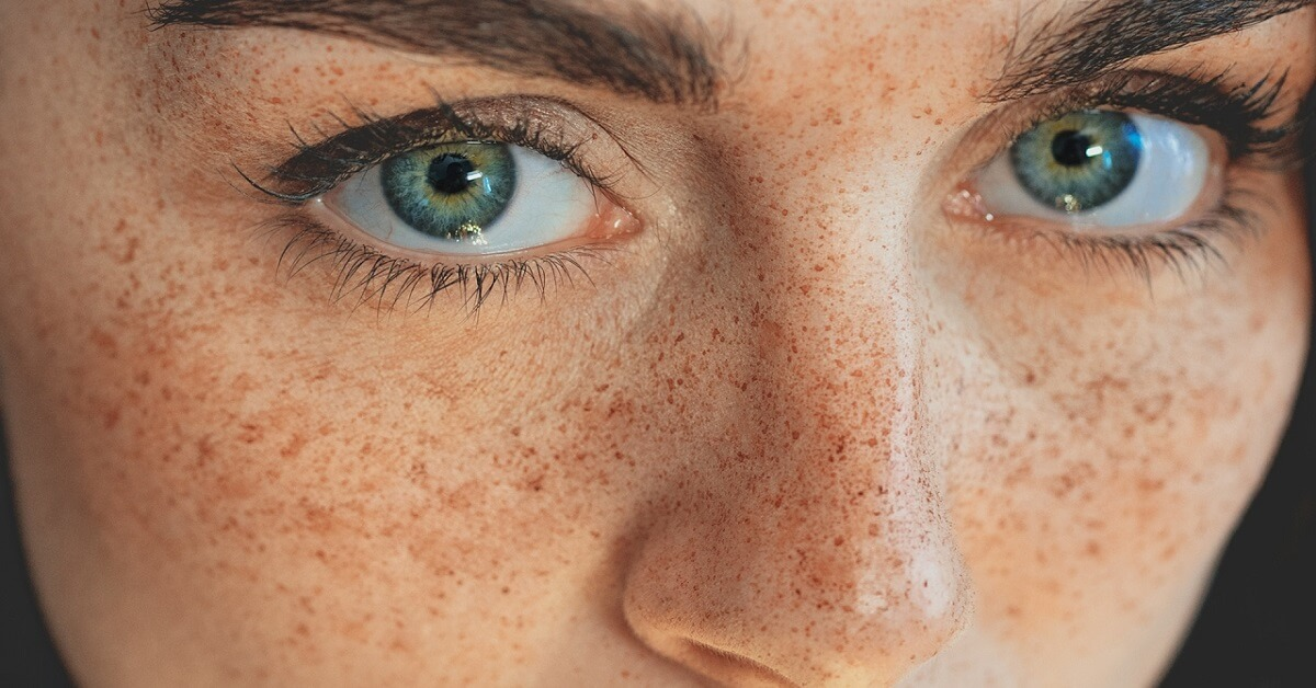 how to get fake freckles