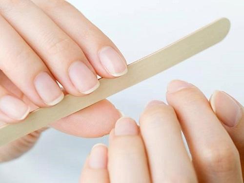 grooming nails