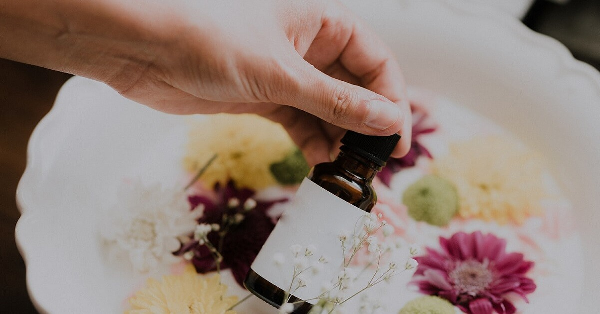 best essential oils for rosacea