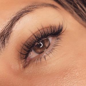 wispy eyelashes